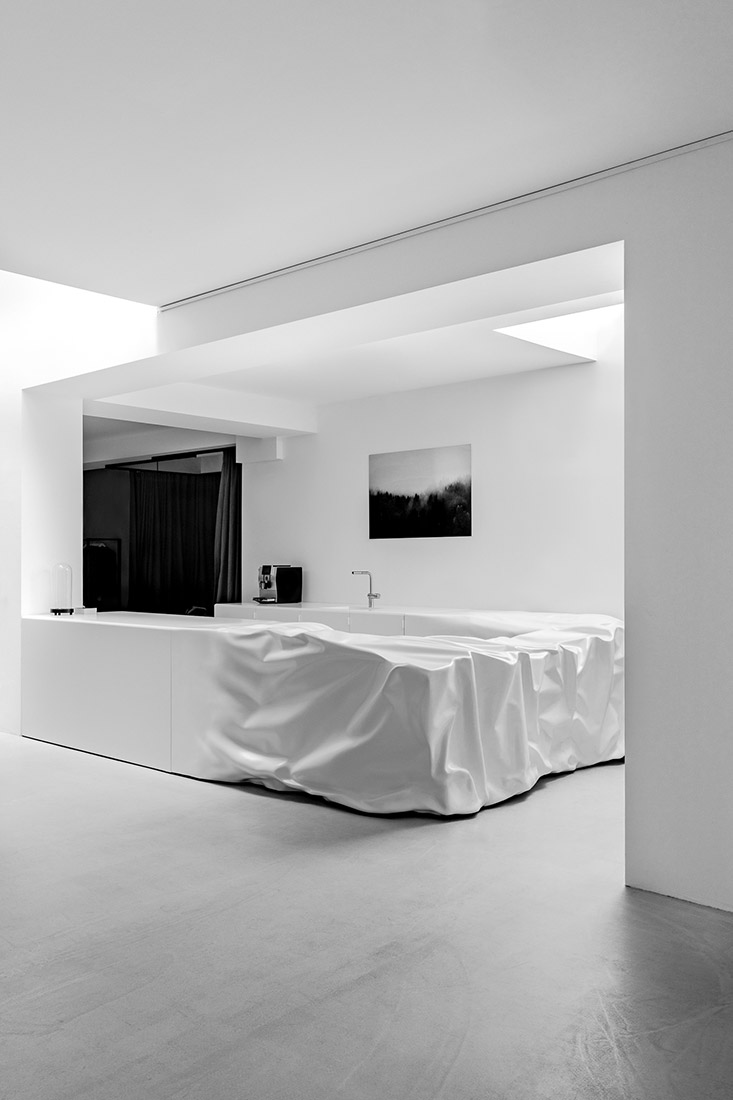 Manuel Marte desk custom made for hide m 07