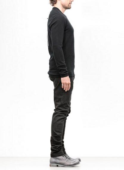 Label Under Construction FW18 men primary circle neck sweater cashmere black hide m 3