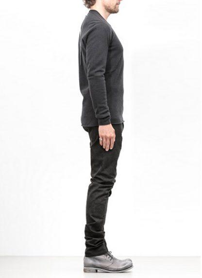 Label Under Construction FW18 men primary circle neck sweater wool dark grey hide m 3